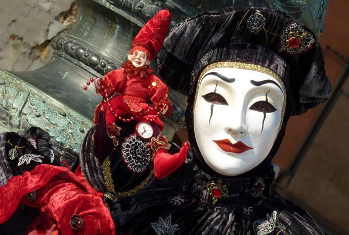 """Izložba fotografija """"Venecija – karneval"""""""