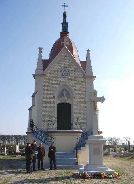 Сомборци обновили капелу на Малом католичком гробљу